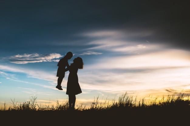 Poema a las madres que amamos con locura